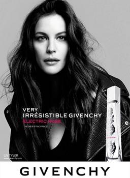 Very Irrésistible Givenchy Electric Rose - Pub avec Liv Tyler