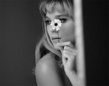 Léa Seydoux - Egérie du Parfum Prada Candy Florale