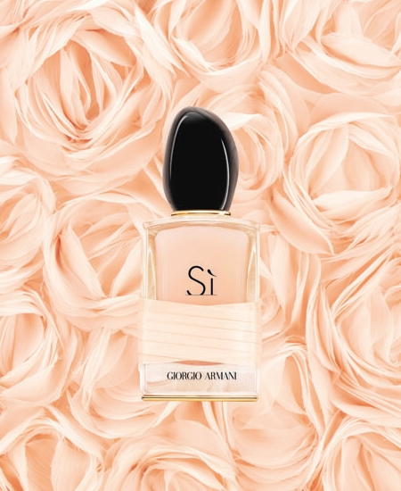 Le nouveau parfum Si Rose Signature