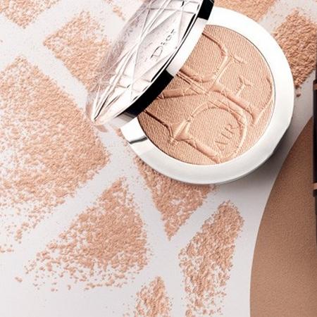 Diorskine Nude Air Luminizer Powder, la poudre illuminatrice de Dior
