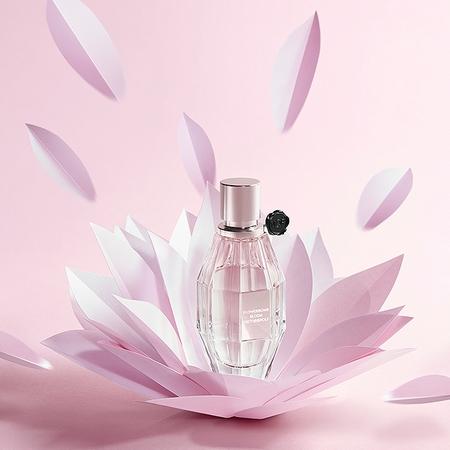 La publicité décalée de Flowerbomb Bloom