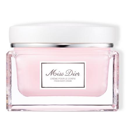 Miss Dior prend soin de votre beauté dans une crème pour le corps