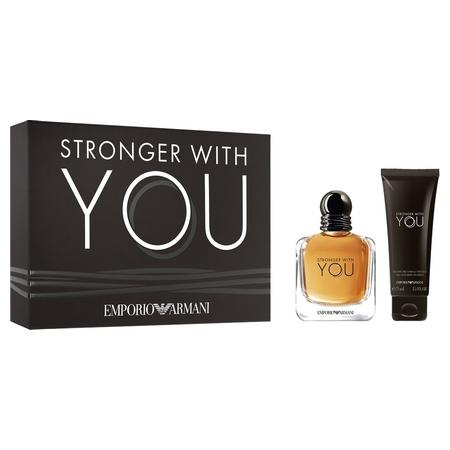 Un coffret pour le nouveau parfum Armani Stronger with You