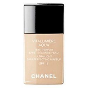 Le Fond de Teint Vitalumière Aqua de Chanel