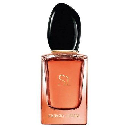 Sì Eau de Parfum Intense de Giorgio Armani, nouvel hommage à la femme moderne et sophistiquée