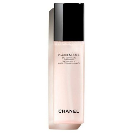 L'Eau de Mousse de Chanel, le nettoyant quotidien qui lutte contre la pollution